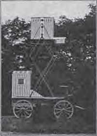 Une chambre noire mobile pour le développement de photo combinée à un pigeonnier, présentée en 1909
