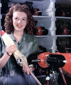 Norma Jeane Dougherty, June 26, 1945. Crédit Photo : David Conover